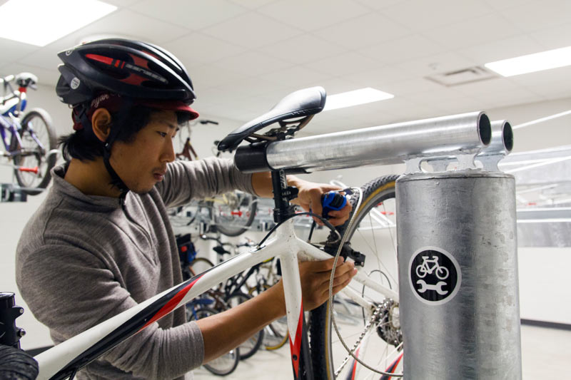 Dero Fixit Public Bike Repair Station